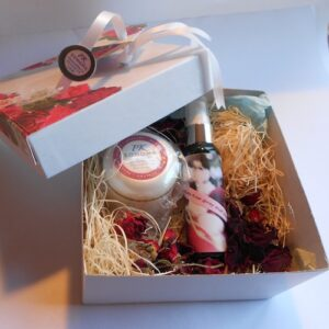 2.p absolute rose gift box
